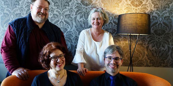 Gruppenbild mit vier Mitgliedern des Vorstands der BJV-Fachgruppe Freie