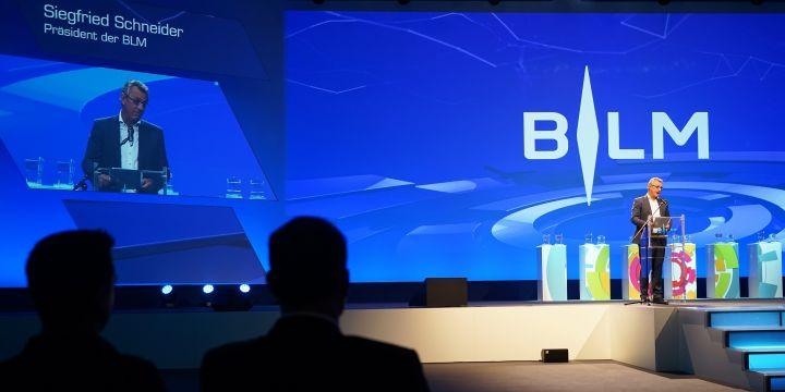 BLM-Präsident Siegfried Schneider eröffnet die 25. Lokalrundfunktage in Nürnberg