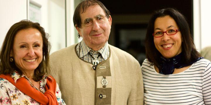 BJV-Fachgruppe Auslandsjournalisten mit Cornelia Petratu (l.) und Zohra Toumia (r.) mit dem scheidenden Vorsitzenden Lazlo Rajki (m.)