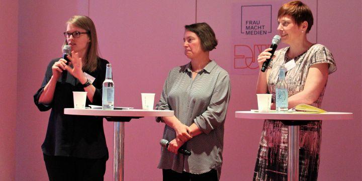 Entgelttransparenzgesetz: Frauen klagen nur selten – auf dem Podium: Nora Markard, Henrike von Platen und Angelika Knop