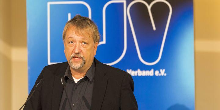 Michael Busch am Rednerpult bei der BJV-Mitgliederversammlung 2021 in München
